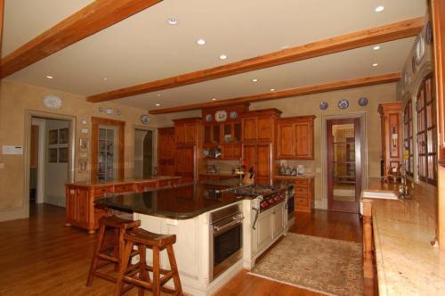 Steve-kitchen angle